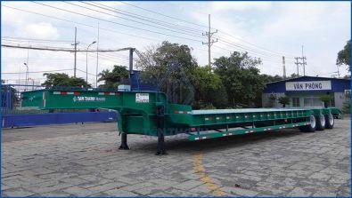 Odd size trailer 45 feet 03 Axles